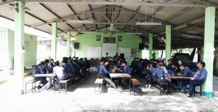 Pacific introduces sweet corn cultivation methods to third year students in Agronomy. Agriculture Committee Mae Jo University